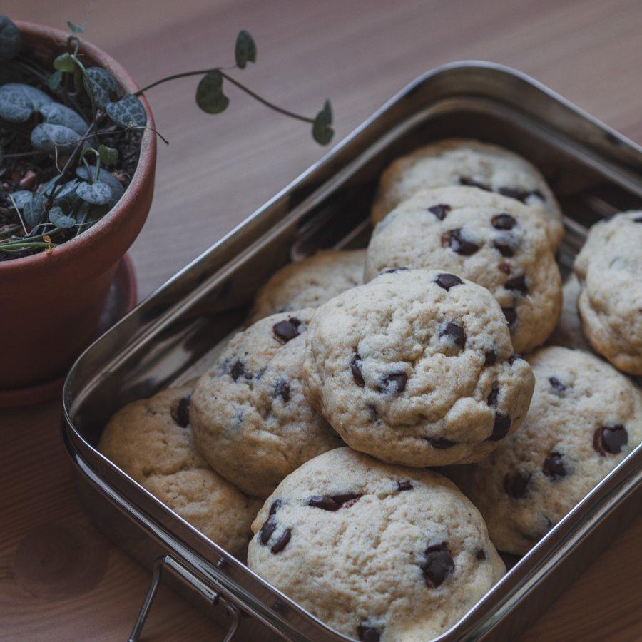Die besten veganen Kekse mit zweierlei Schokolade und Macadamia